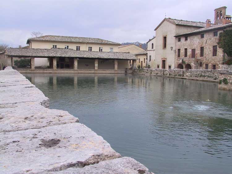 I paesaggi del benessere a bagno vignoni arrivano massimo - Bagno a vignoni ...