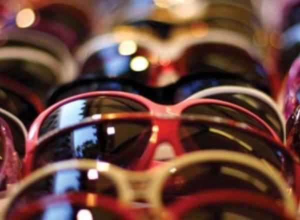 f2deb2cee0 Maxi furto di occhiali. Ladri in fuga con bottino da 50mila euro ...