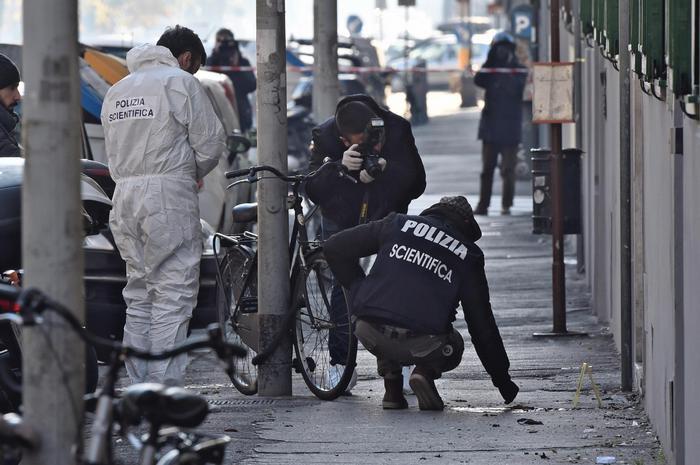 Anarchici arrestati per attentati a Firenze, solo uno resta in carcere