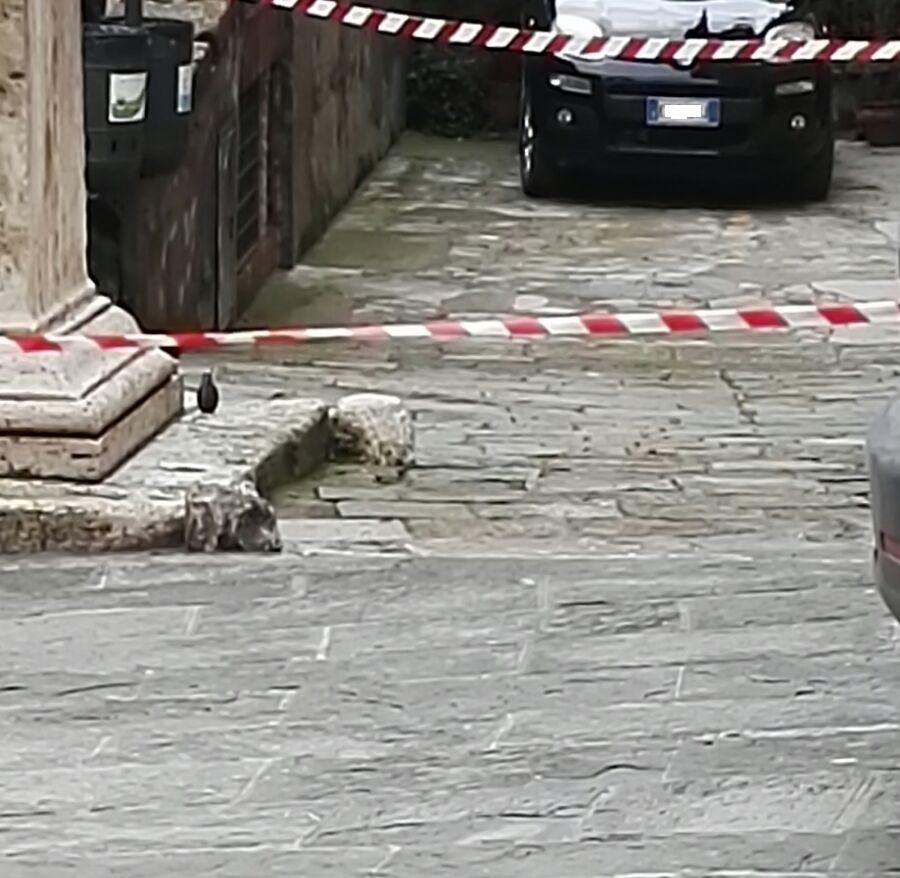 Montepulciano, bomba trovata davanti alla caserma dei carabinieri