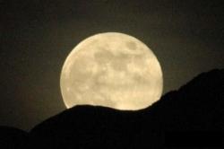 Tutti con il naso all'insù sabato 19 marzo per ammirare la super luna