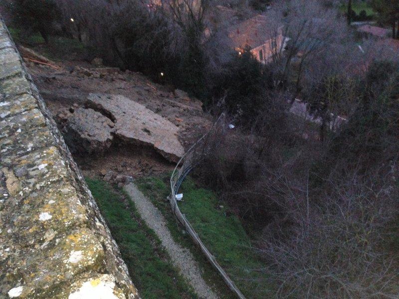 L'improvviso cedimento di una parte delle mura