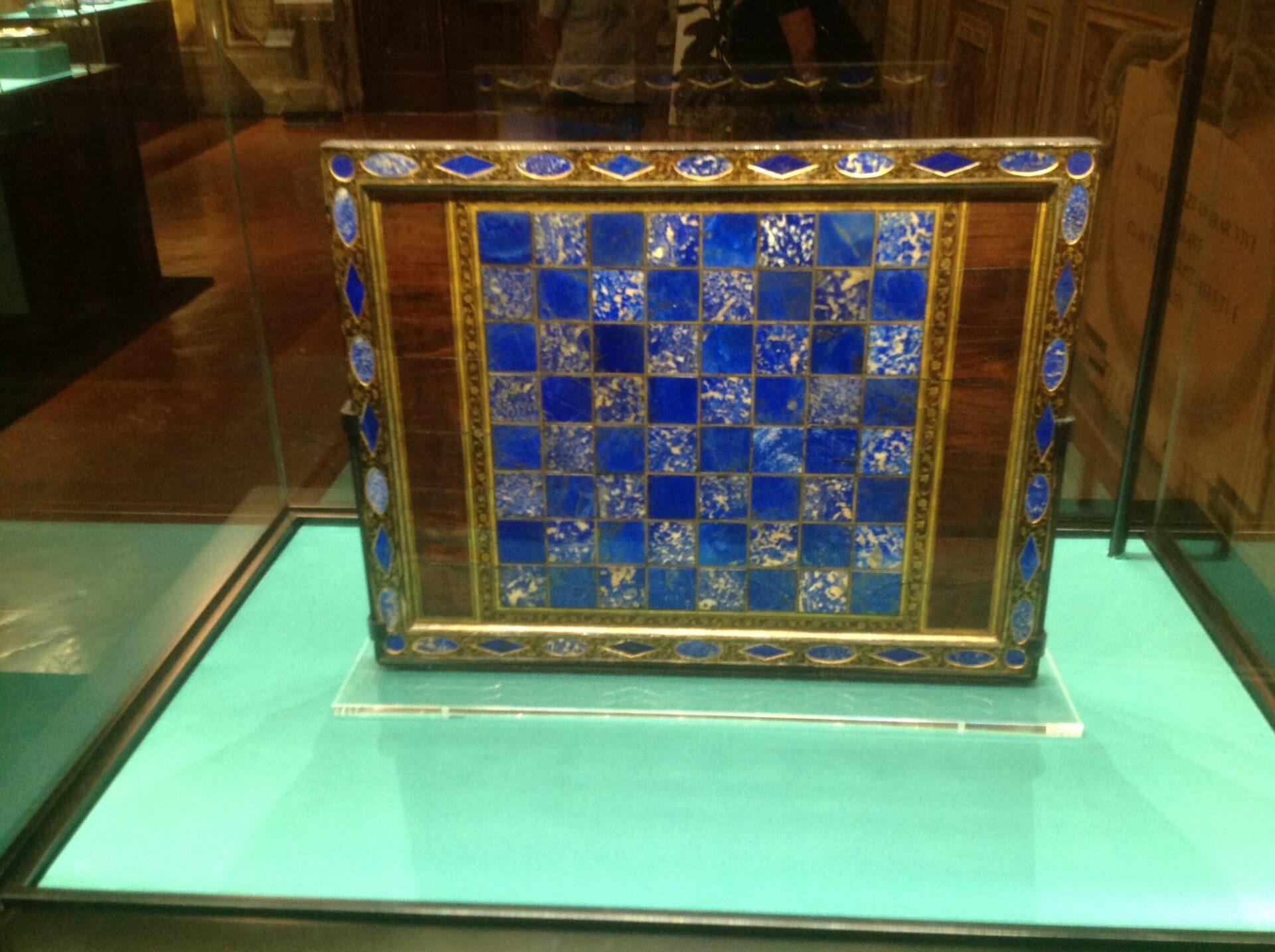 Magia blu. A Palazzo Pitti la mostra dedicata al raro e prezioso lapislazzulo