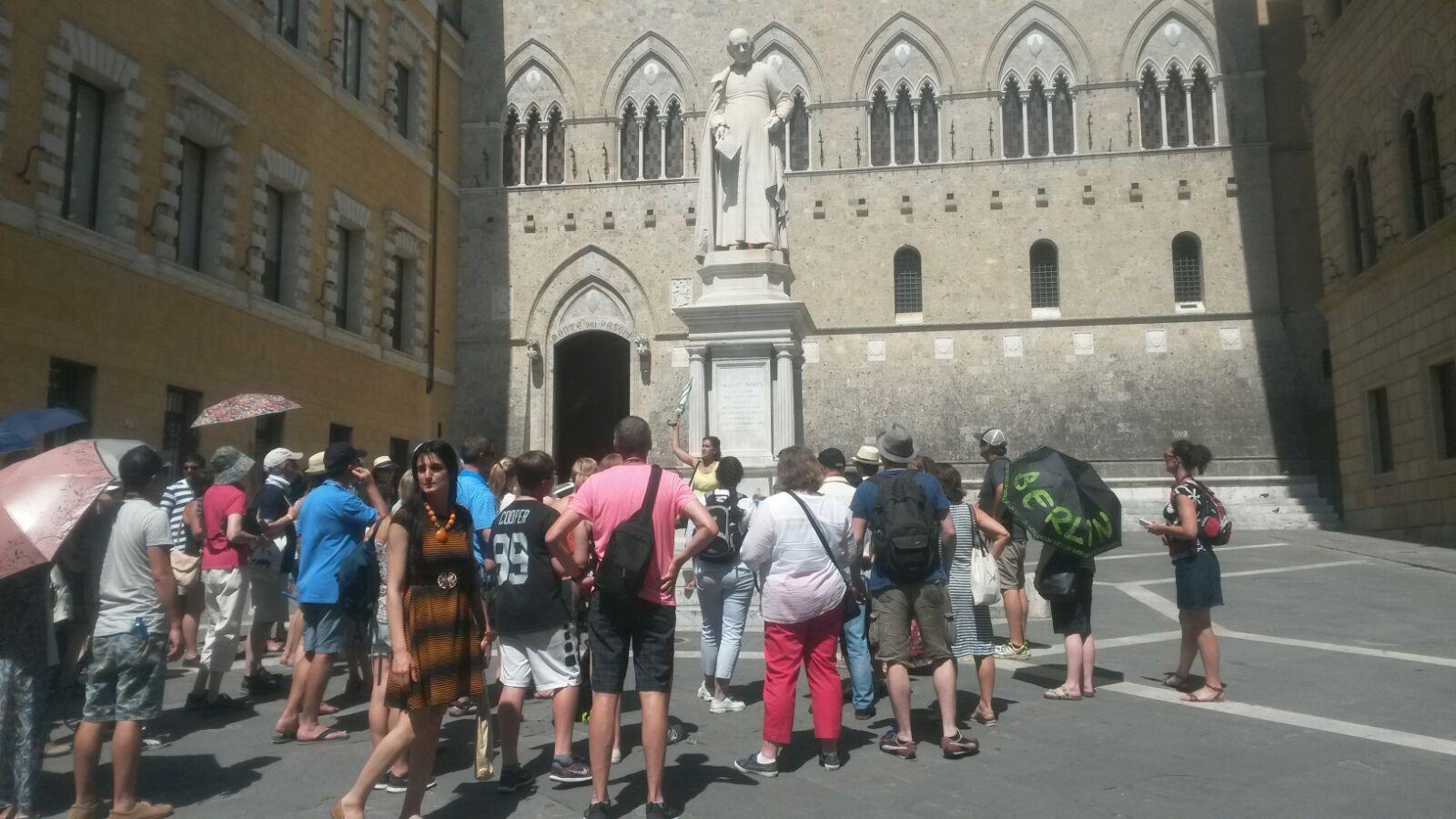 Lotta al sommerso. Accordo Comune Siena-Airbnb per tassa di ...