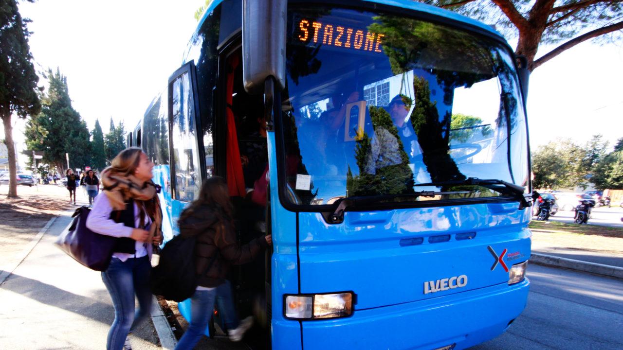 22188ce398 Caro biglietto. Bus, dall'1 luglio tariffe omogenee in tutta la ...