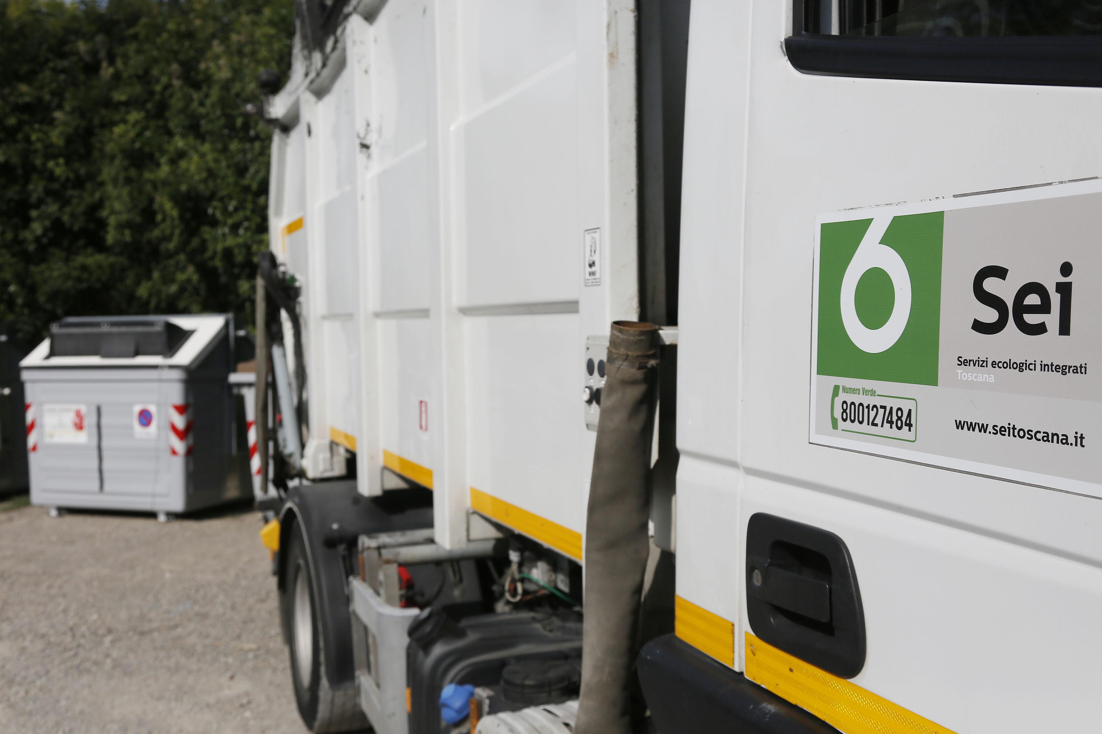 San Gimignano, riorganizzazione della raccolta rifiuti in Consiglio Comunale con intervento dei tecnici di Sei Toscana - agenzia Impress