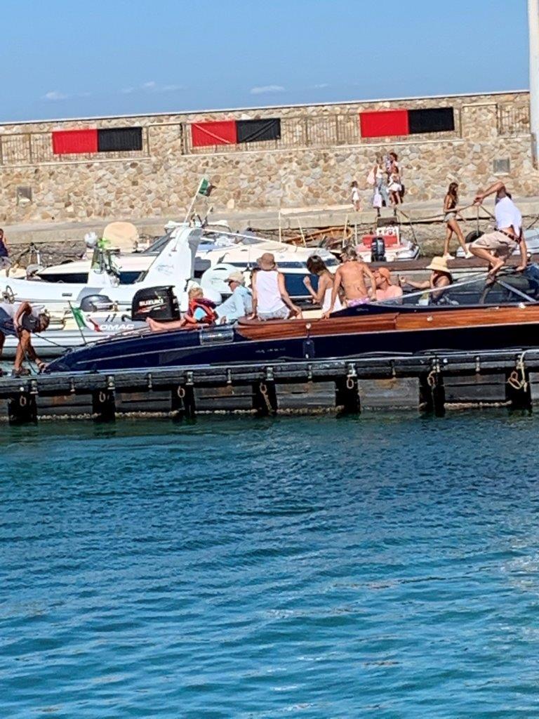 Estate italiana. Richard Gere sbarca all\'Isola del Giglio ...