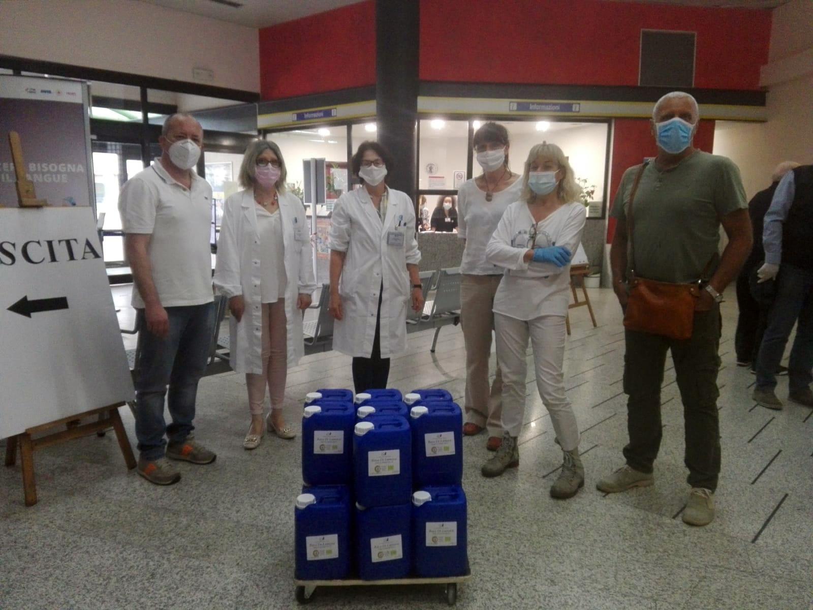 Il senso della solidarietà. Coronavirus, da un'azienda senese bava di lumaca per rigenerare la pelle dei sanitari