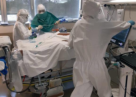 I rianimatori lanciano l'allarme. Reparti toscani pieni, attenti al 'liberi tutti'. Numero contagi alto