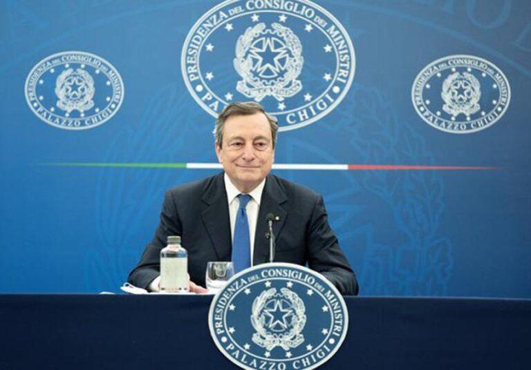 """Dal 26 aprile riaprono ristoranti e attività all'aperto. Gli studenti di tutte le scuole tornano sui banchi. Il Premier Draghi: """"Preso un rischio ragionato"""""""