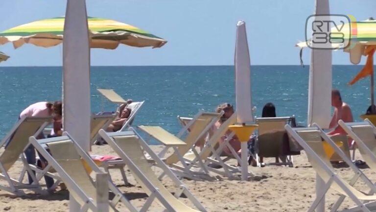Turismo, pioggia di prenotazioni per la costa toscana