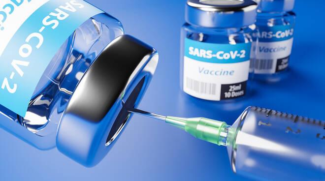 Vaccino Covid, Giani: «Terza dose per 50mila ultrafragili dal 20 settembre»