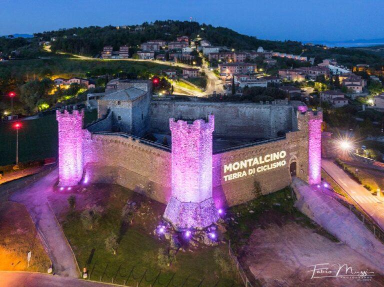 Arriva il Giro d'Italia e la Fortezza si colora di rosa. Montalcino, terra di ciclismo