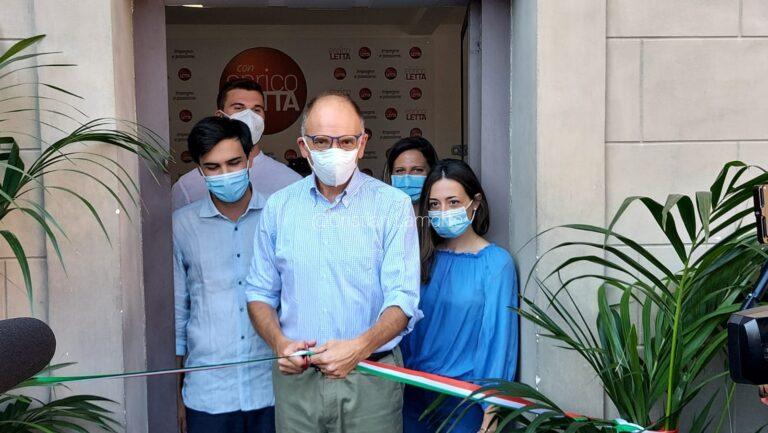Letta inaugura la sede in centro a Siena, «Un luogo aperto a tutti per incontrarsi»