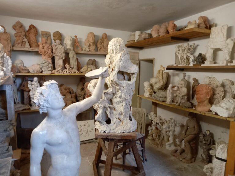 Viaggio a Casa Consortini. Dagli Etruschi alla tradizione alabastrina, rivive il genio creativo del maestro